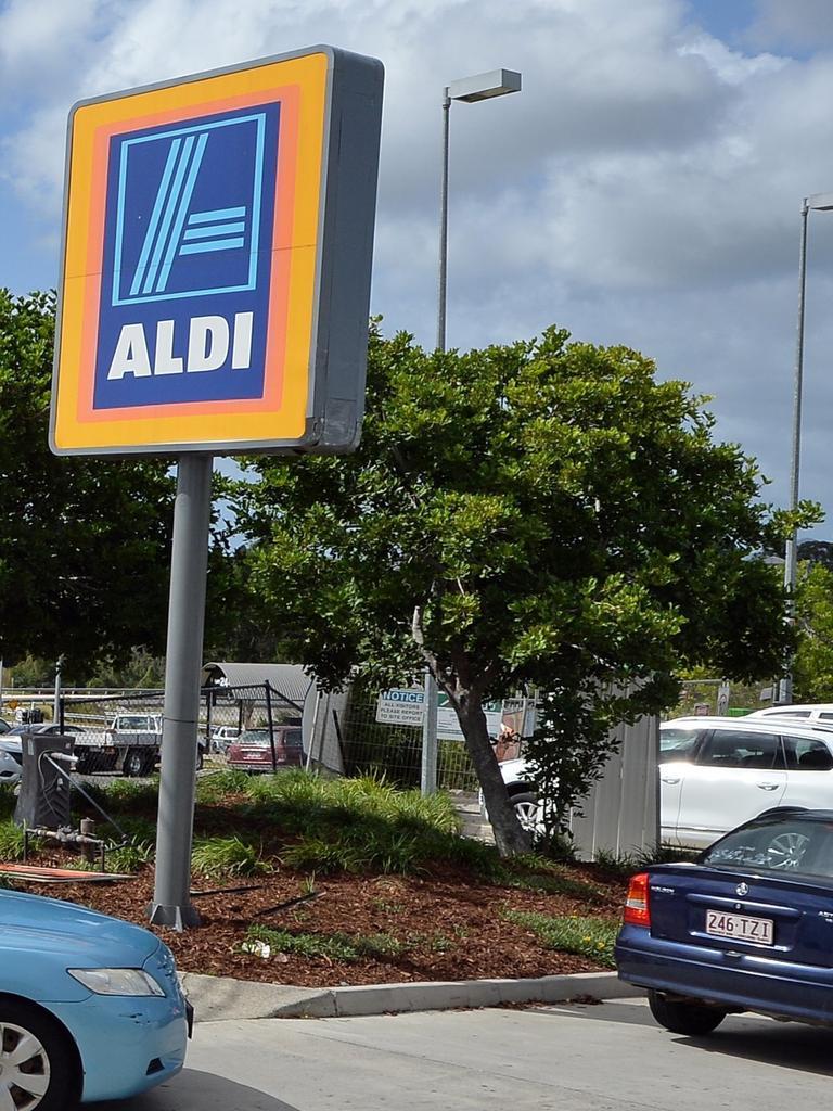 The Gympie Aldi supermarket entrance.
