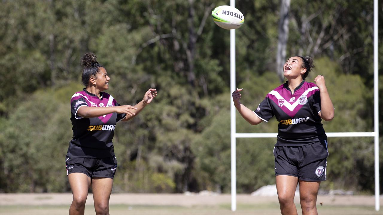 Marsden front rowers Georgina Tuitaalili and April Ngatupuna. (Image Sarah Marshall)