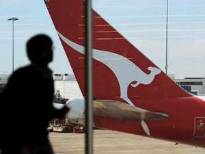 Calls for Qantas to 'pay back' millions