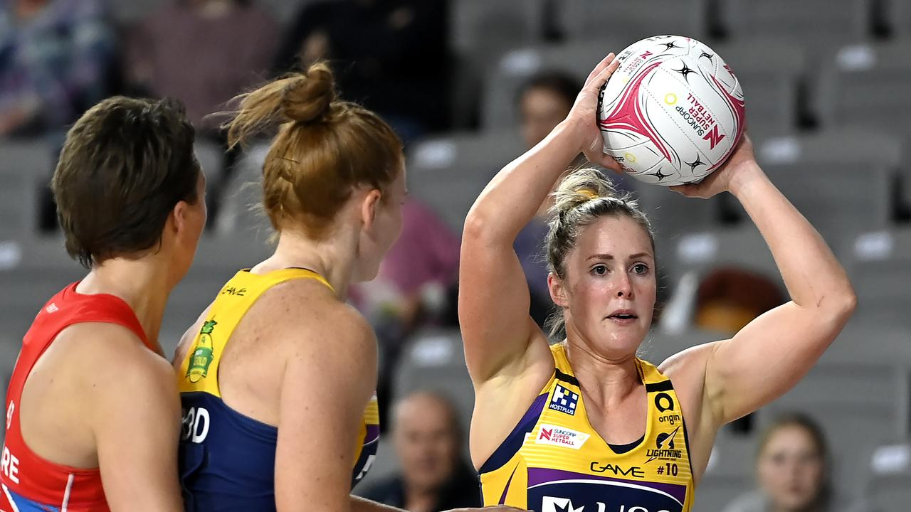 Laura Scherian of the Lightning looks to pass the ball during the round seven Super Netball match between the NSW Swifts and the Sunshine Coast Lightning at Nissan Arena on August 26, 2020 in Brisbane, Australia. (Photo by Albert Perez/Getty Images)