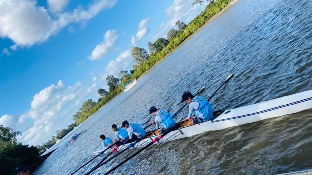 Maryborough State High School students at the Bridge to Bridge rowing event.