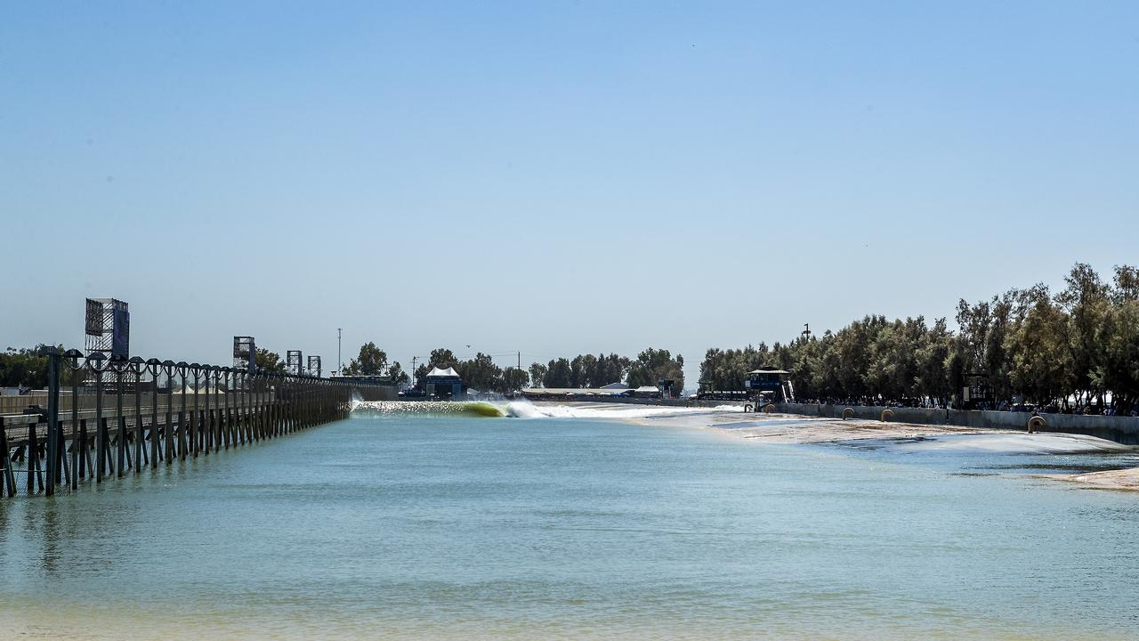 Perfection at the Surf Ranch for the qualifying runs of the 2018 Surf Ranch Pro in Lemoore, CA, USA.