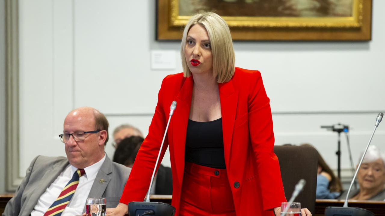 Opposition Councillor Kara Cook questioned the refusal to provide masks. (AAP Image/Richard Walker)