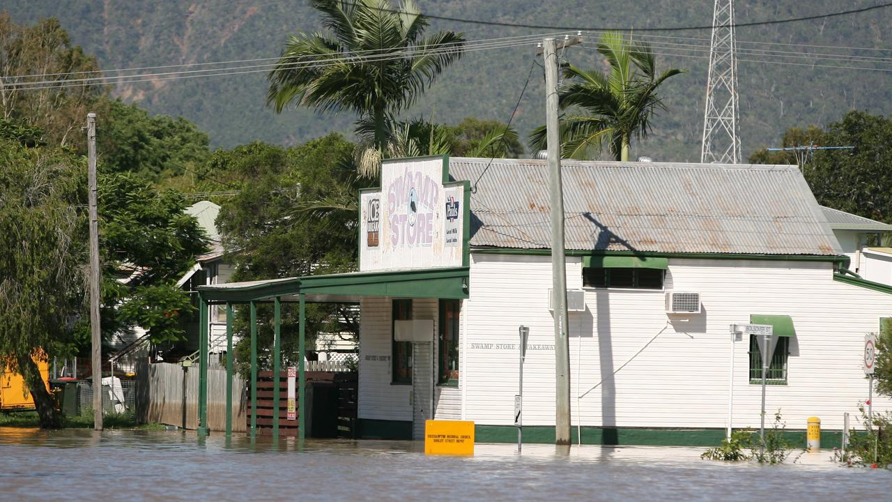 The iconic Swamp Corner Store in Depot Hill as the Fitzroy River approaches 8.6m in 2013. Photo: Chris Ison / The Morning Bulletin