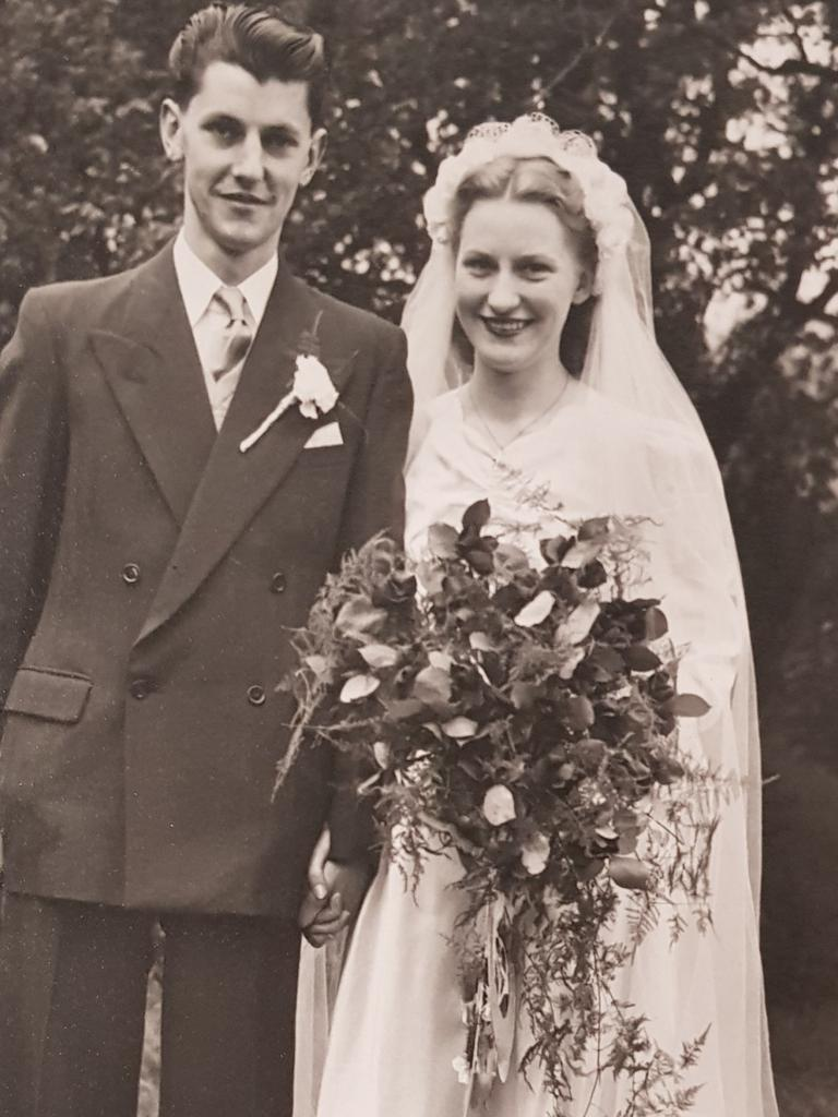 Alun and Doreen Jones on their wedding day in 1950