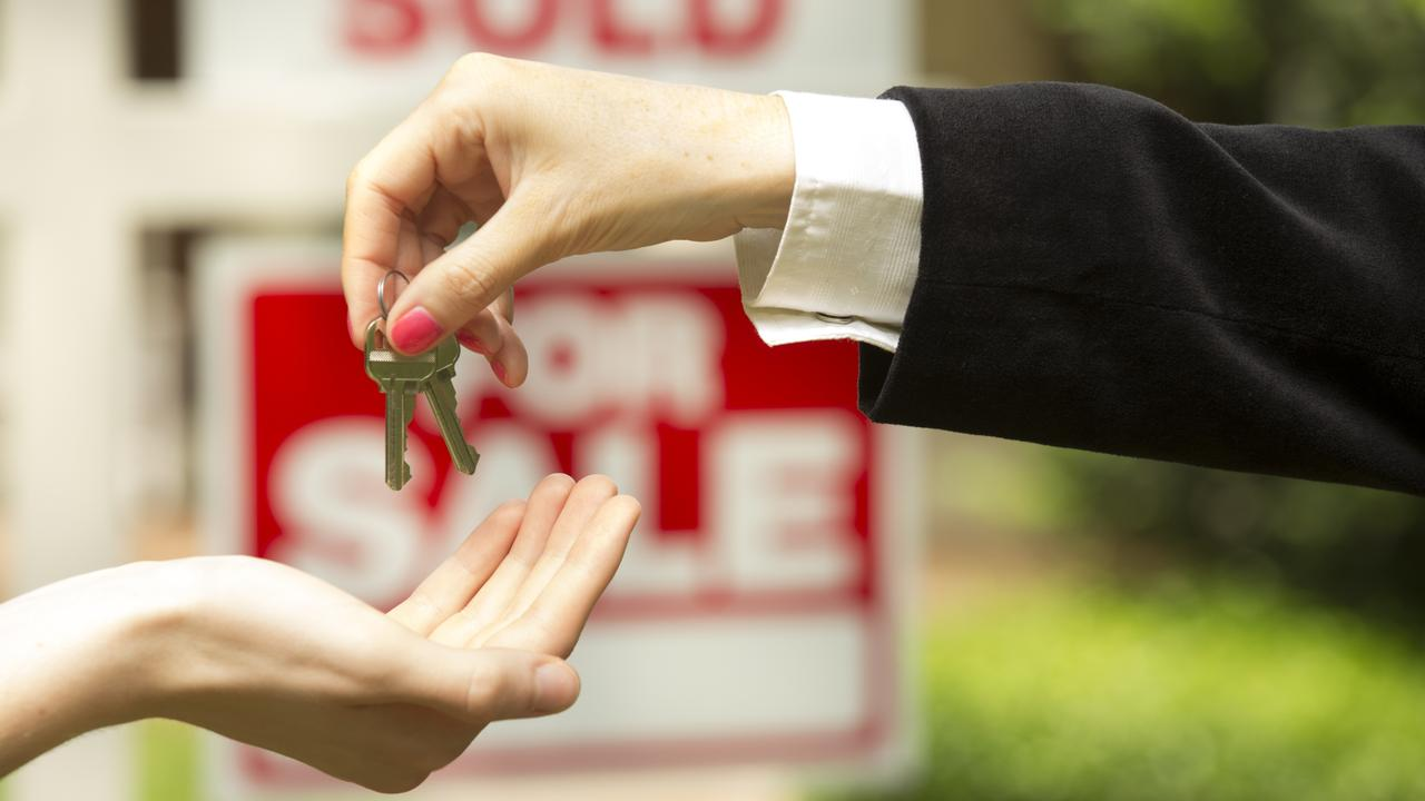 Elder's Janzey Pratt says some properties are being sold before they are even listed on realestate.com