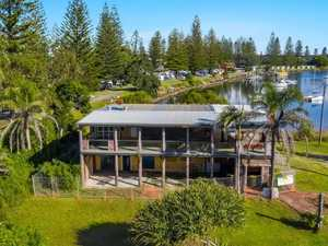 Yamba's waterfront icon goes under the hammer