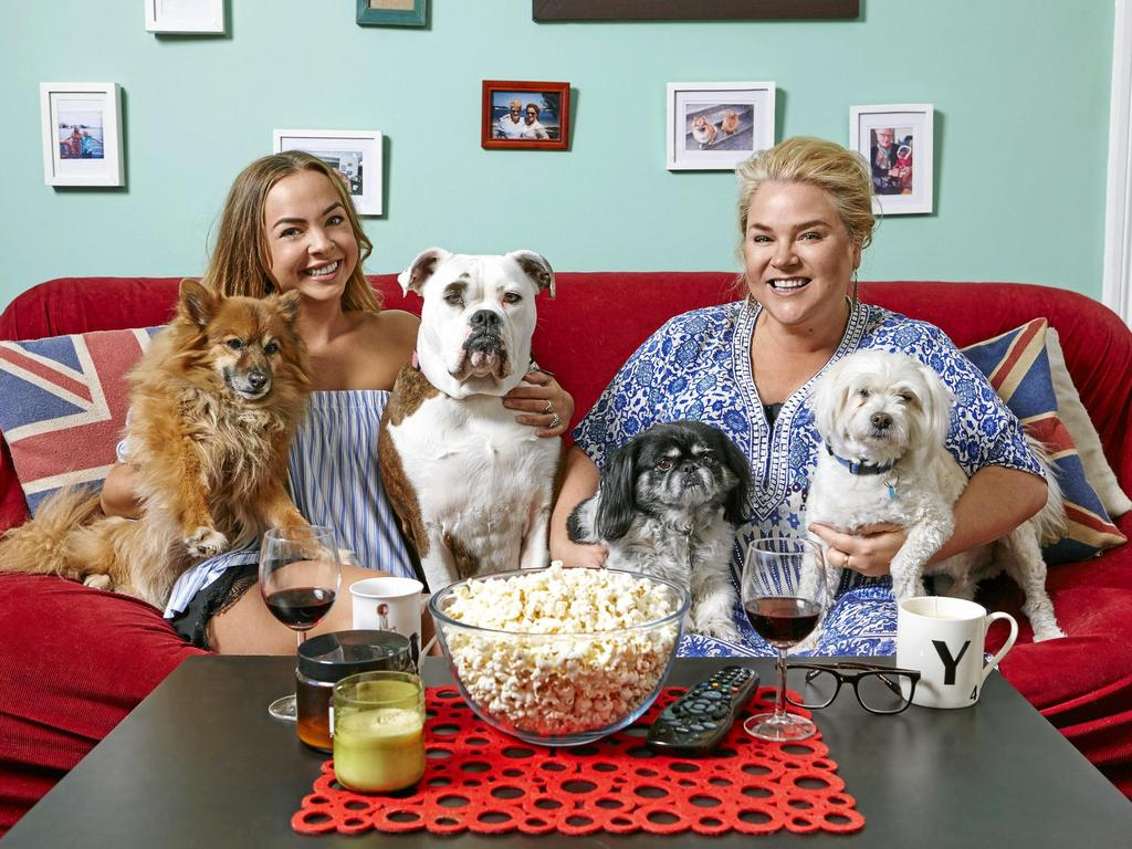 Gogglebox Australia stars Angie Kent and Yvie Jones. Supplied by Channel 10.