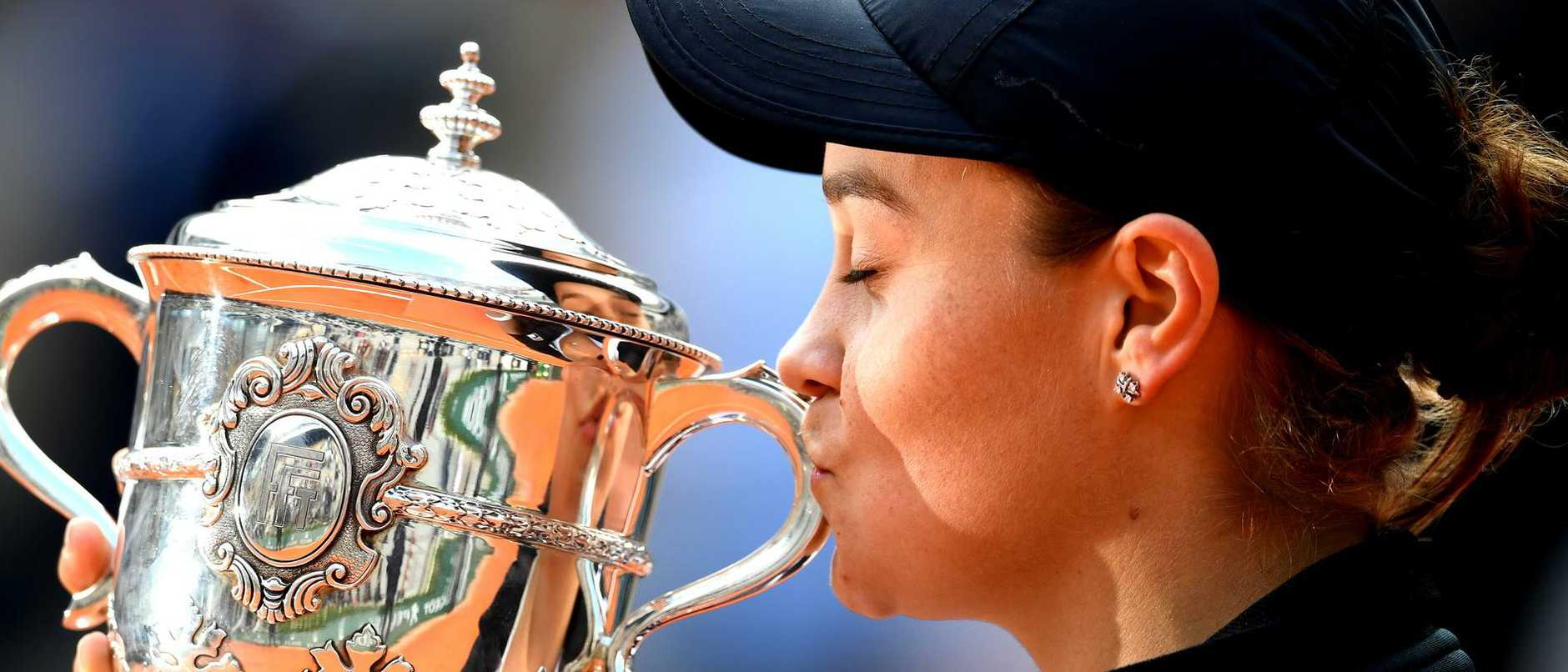 After several unsuccessful attempts to get her trainer in to Brisbane world number one Ash Barty says she had no choice but to pull out of the French Open.