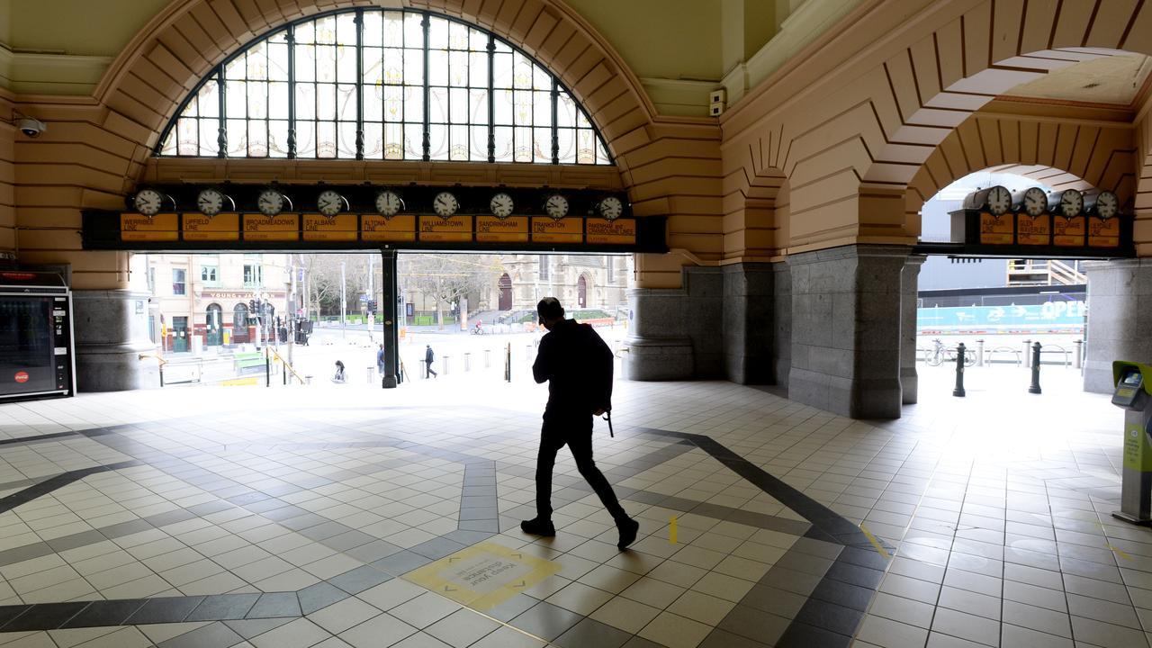 Flinders Street Station is all but deserted during stage 4 lockdown. Picture: NCA NewsWire / Andrew Henshaw