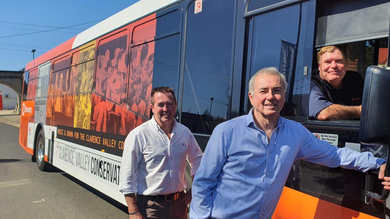 Clarence MP Chris Gulaptis and Minister for Regional Transport and Roads Paul Toole with Busways driver Chris Sankey who has been driving buses for a decade.