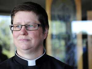 Lesbian reverend banned from same-sex advocate group