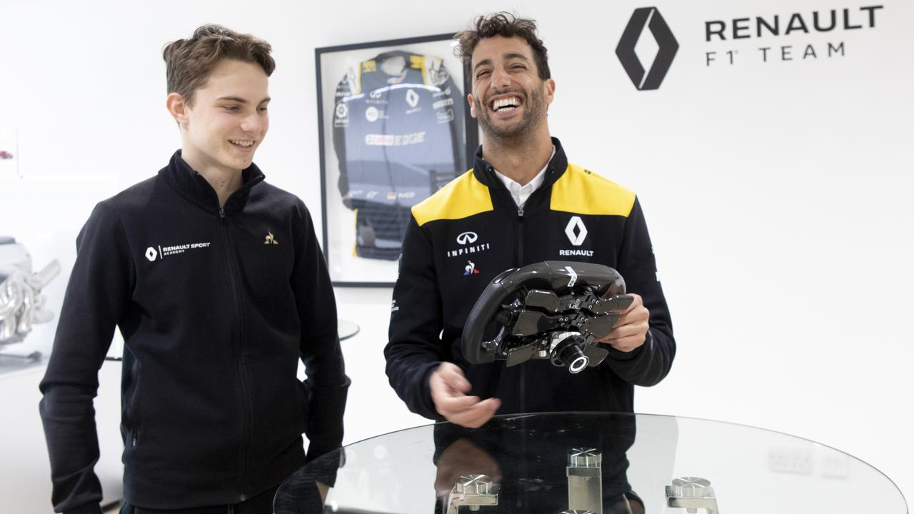 Oscar Piastri with Dan Ricciardo after signing up to the Renault Sport Academy this year.