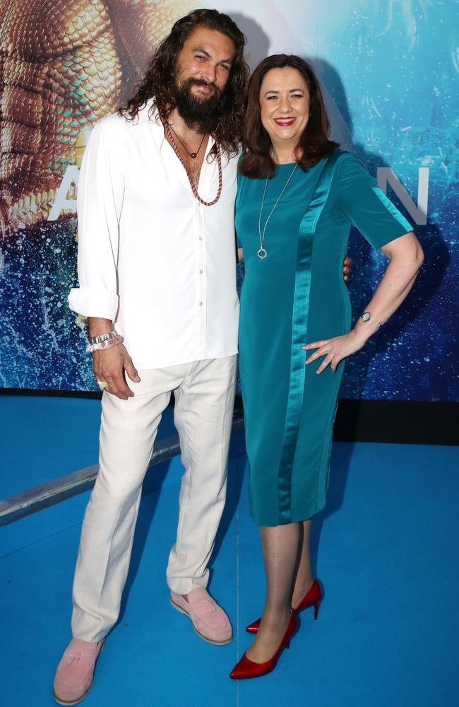 Aquaman star Jason Momoa and Annastacia Palaszczuk at the Australian premiere of Aquaman. Picture: Nigel Hallett