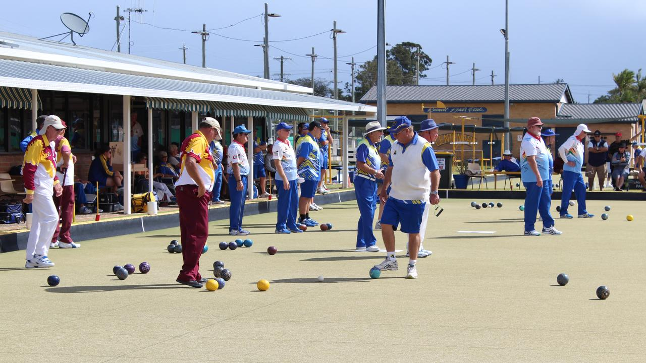 Teams took to the green at the Burnett Bowls Club for the Pennants final.