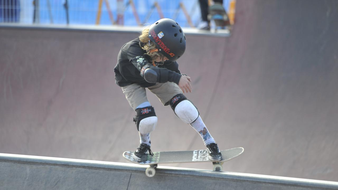 Under-16 shredders hit the bowl at the annual Popsgood Skateboarding Bowl-A-Nana at Coffs Harbour Skate Park on Saturday, September 12, 2020. Photo: Mitchell Keenan