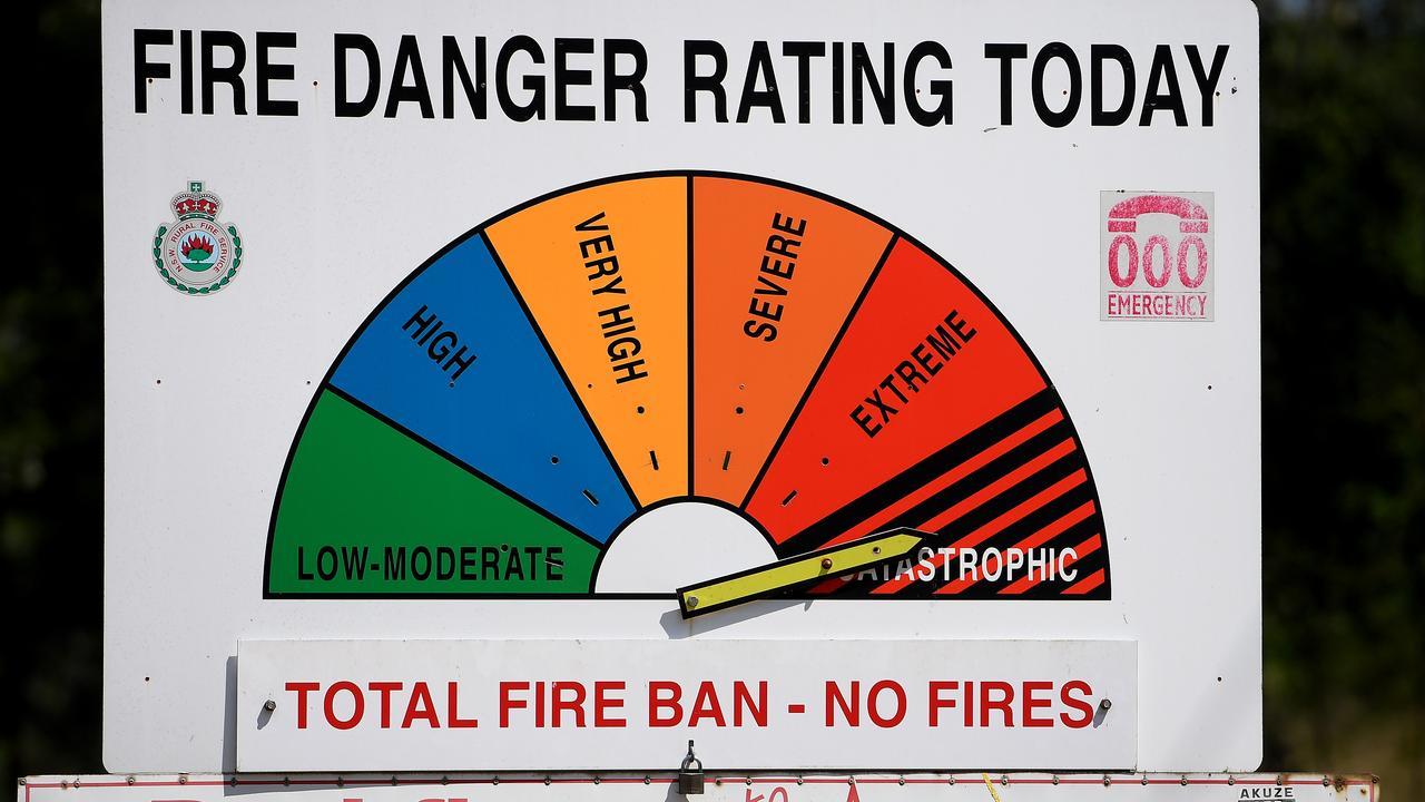 A bushfire danger rating sign (AAP Image/Dan Himbrechts)