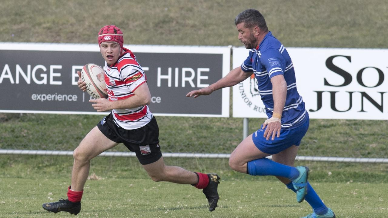 USQ's Martin Van Staden (right) scored 27 points in his side's loss to Bears at the weekend.