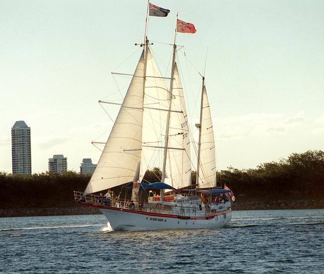The Sir Henry Morgan in full sail on the Gold Coast Broadwater.