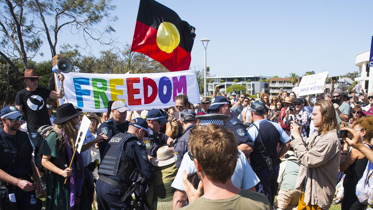 Anti lockdown protestors pictured clashing with Police in Byron Bay.
