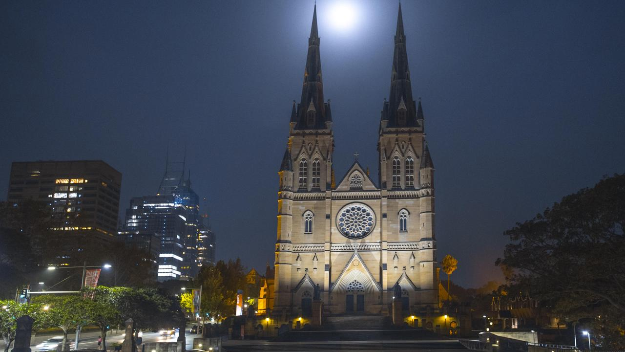 The Cathedral sits in the heart of Sydney's CBD. Picture: Gordon McComiskie