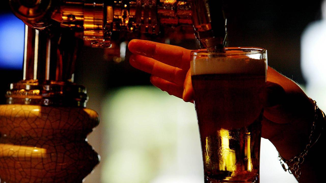 A Roma pub has breached the Liquor Act 1992.