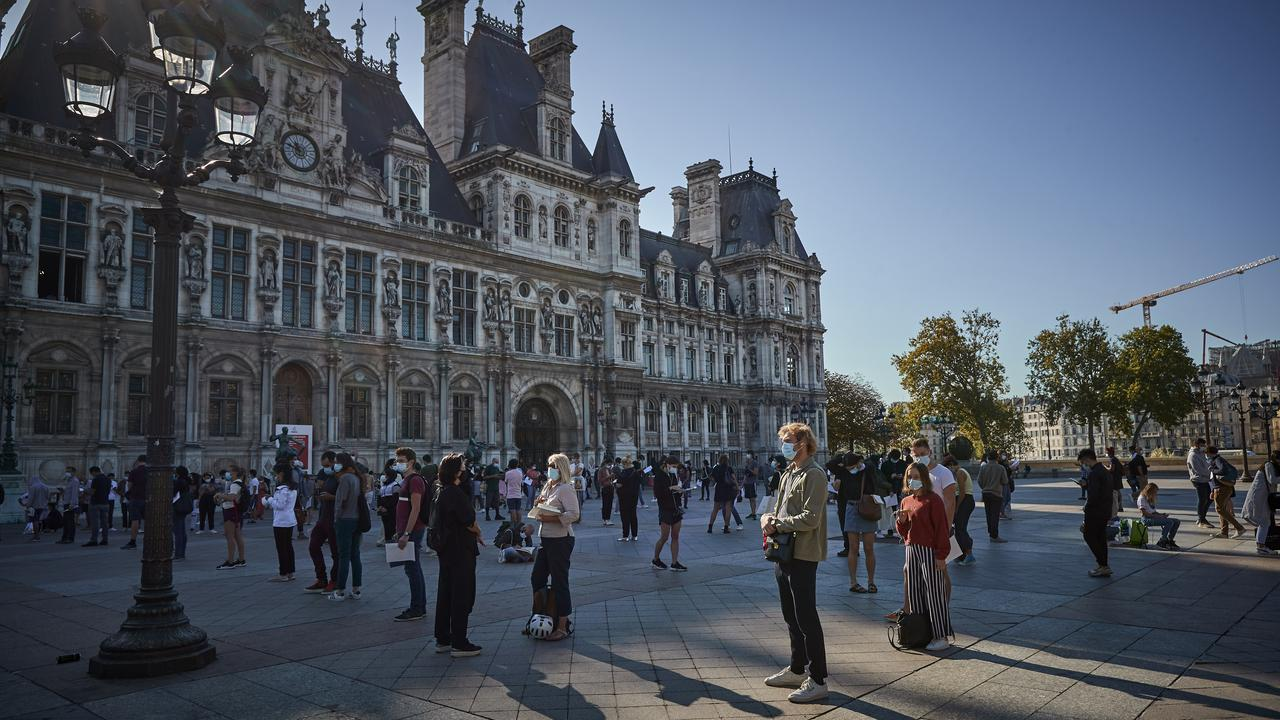 Parisians queue at the Hotel de Ville to be tested for COVID-19. Picture: Kiran Ridley/Getty Images