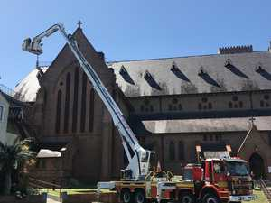 Skylift brought from Queensland to help at cathedral fire