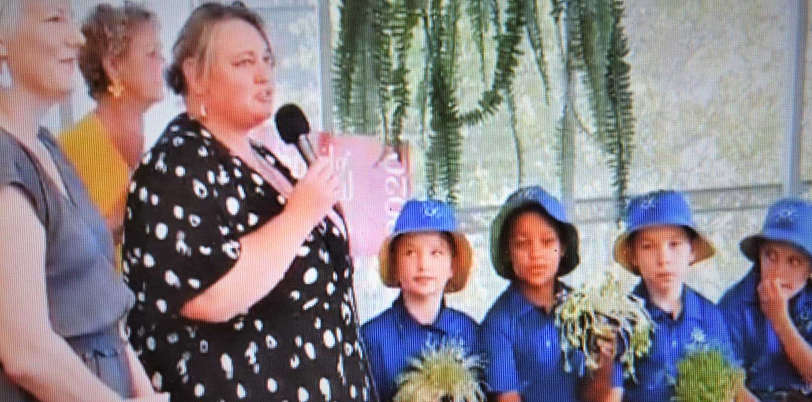 Slow Food Noosa spring lunch MC Deb Caruso with Sharon Koski from The Green Shed and Sunshine Beach State School students.