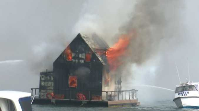 Airbnb houseboat destroyed in Palm Beach blaze