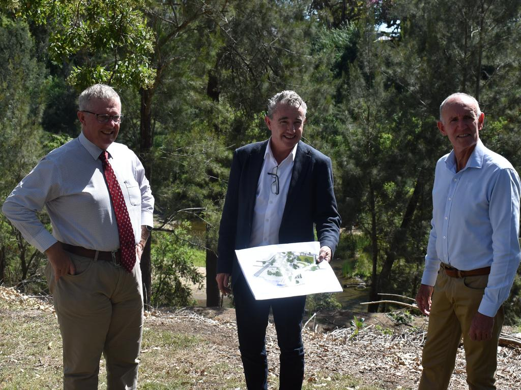 Page MP Kevin Hogan with Richmond Valley Council Mayor Robert Mustow and Federal Local Government Minister Mark Coulton at the Casino Drill Hall site
