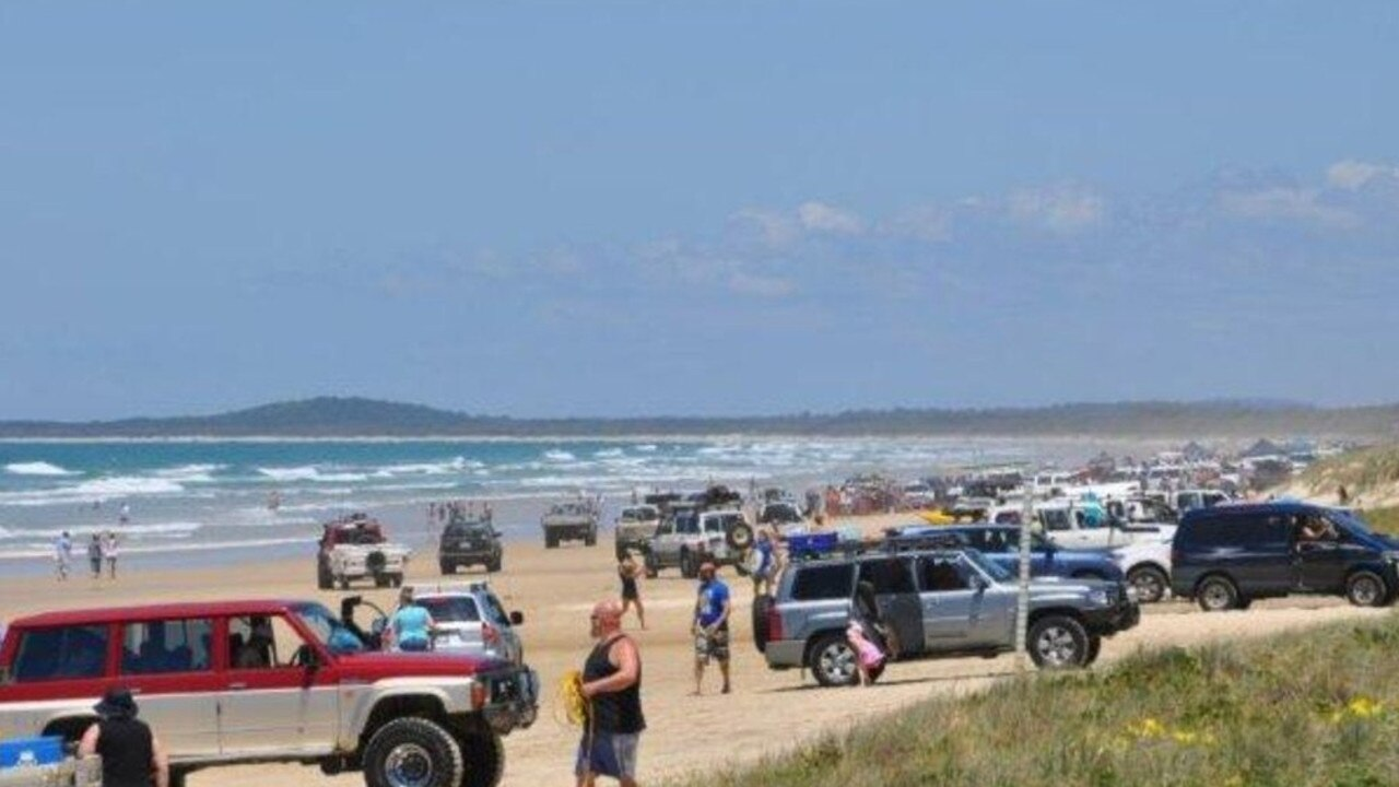 Teewah Beach can be a 4WD hot-spot on many weekends.