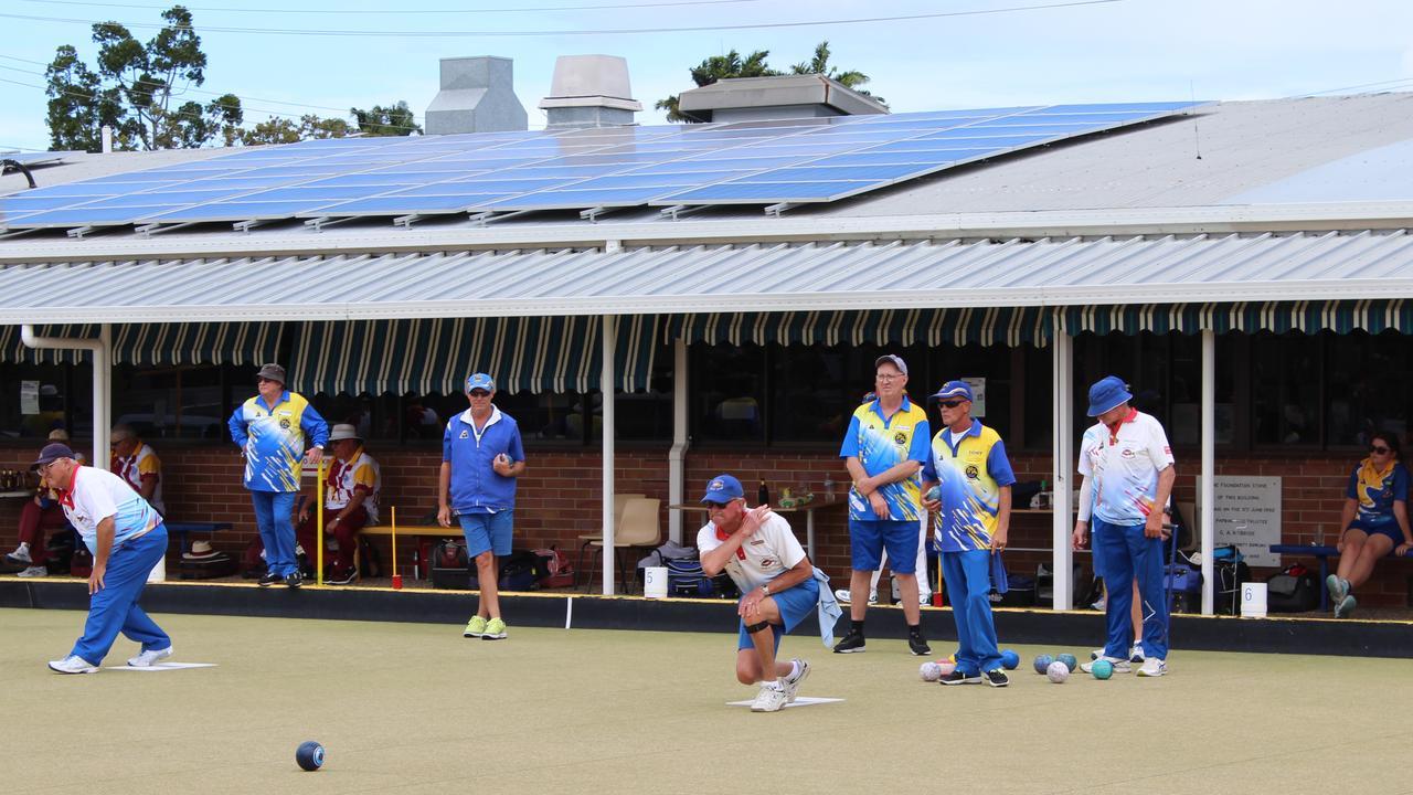 Bowlers play at the Burnett Bowls Club. Photo: Geordi Offord.