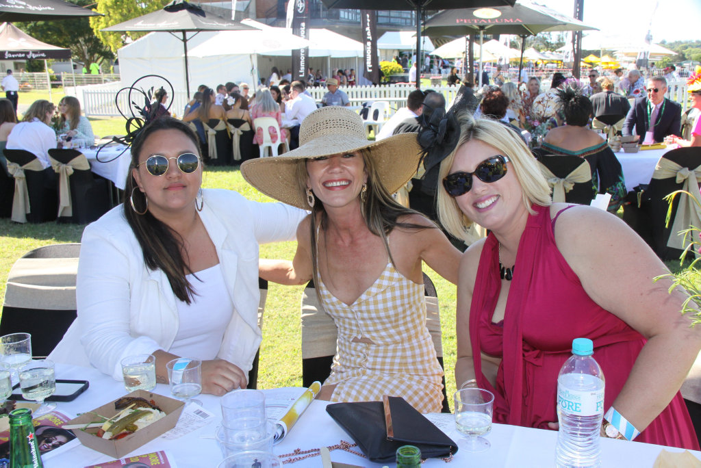 Image for sale: GORGEOUS GALS: Filly Fashions at the 2020 Lismore Cup Day. Photo:Alison Paterson