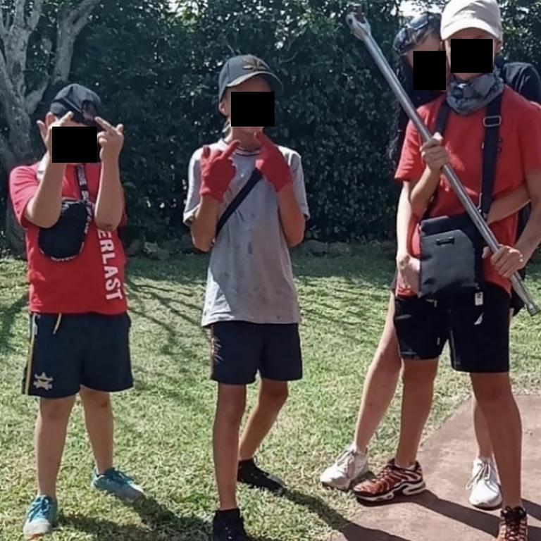 Primary school aged kids pose on the Brisbane Stealing Instagram page.