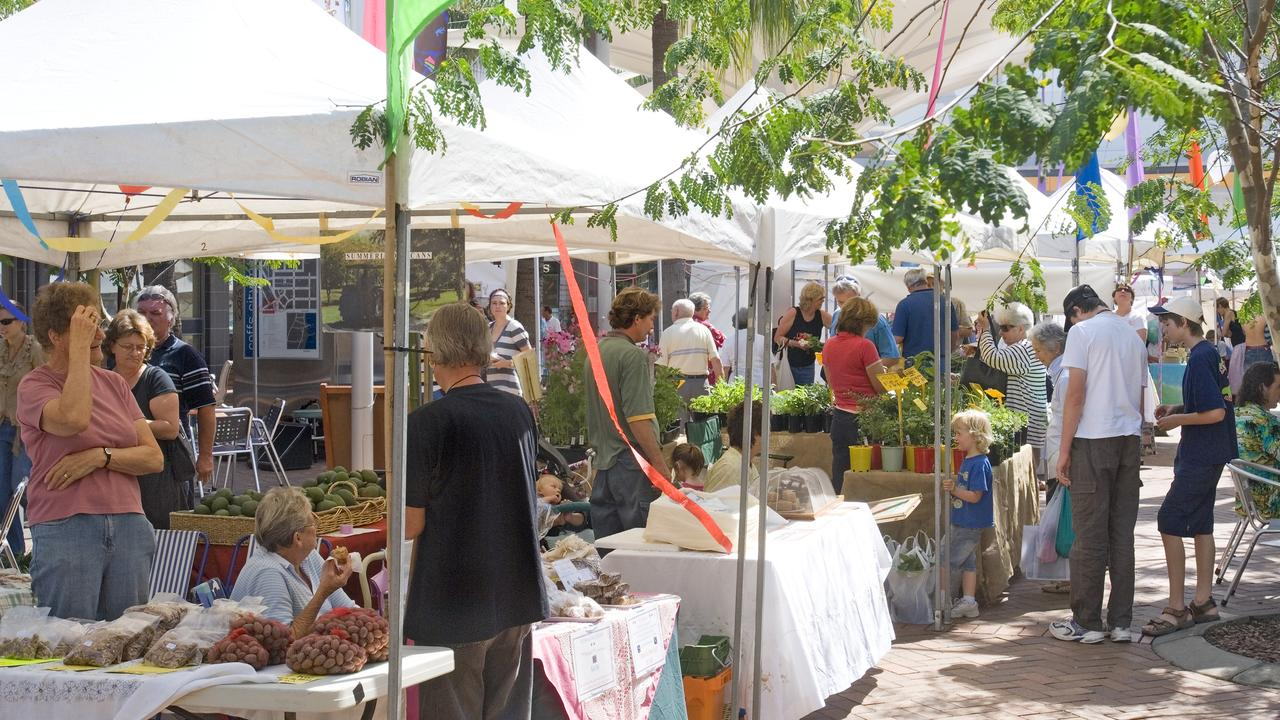 Stalls at the Coffs Cosst Growers Market. Photo: Coffs Harbour City Council.