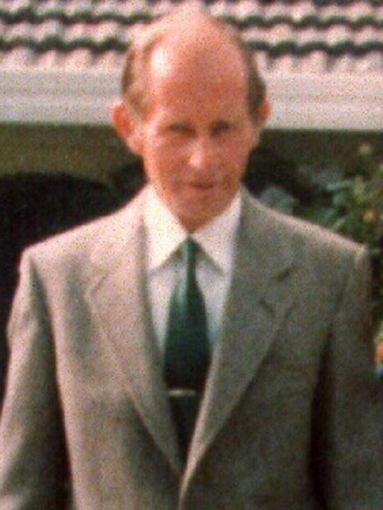 Gippsland cattleman Jim (William James) Robinson hired Holt to murder Robert Purvis.