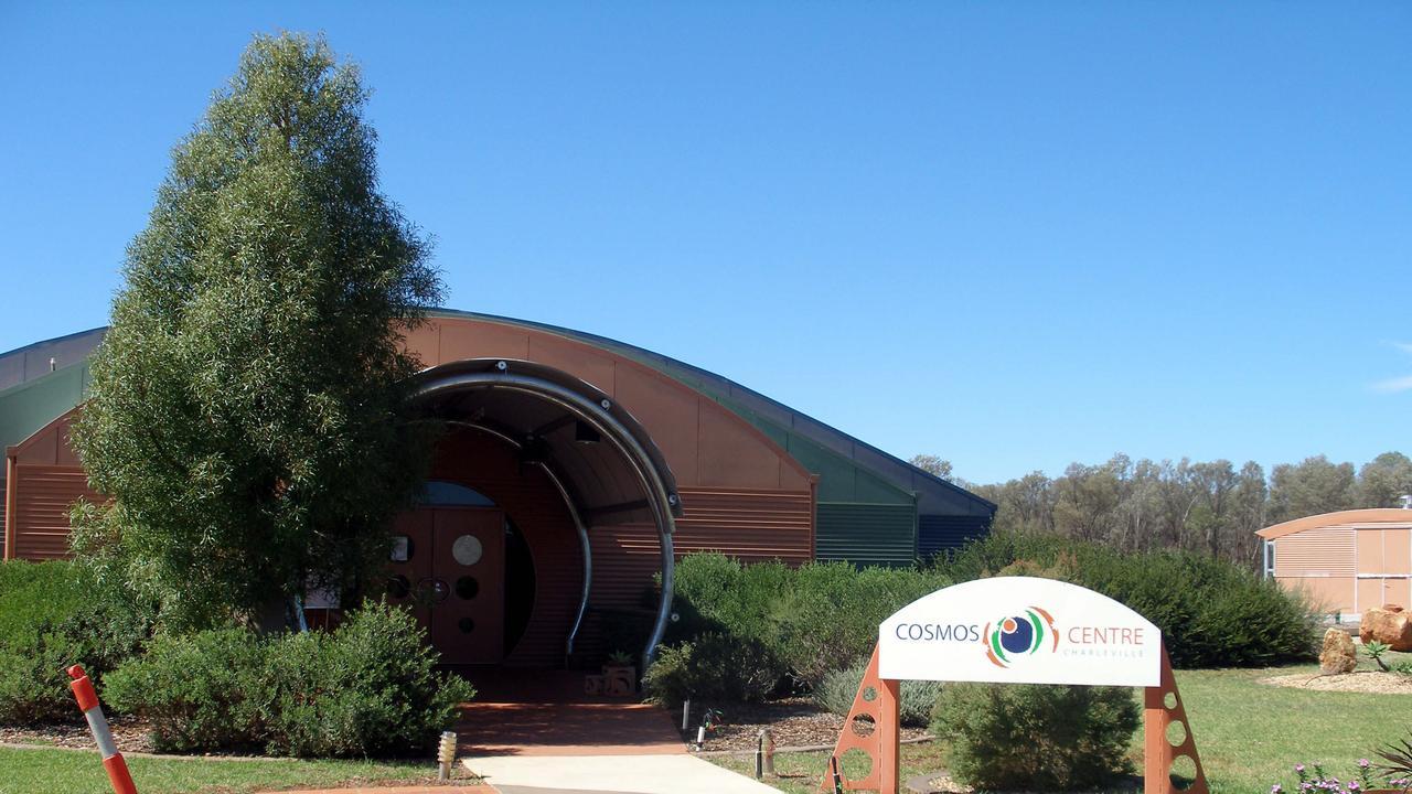 Cosmos Centre @ Charleville - travel tourism qld buildings exterior /Sept /2007
