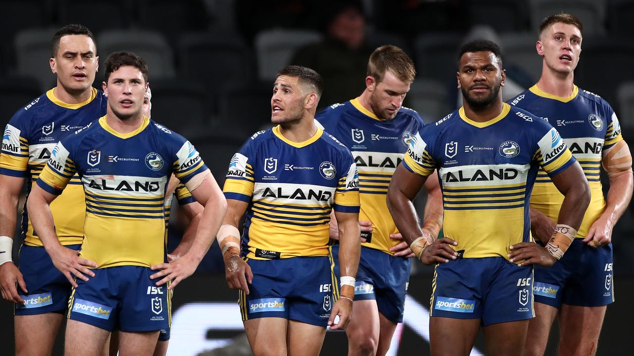 SYDNEY, AUSTRALIA – SEPTEMBER 26: Eels players look on after a Tigers try during the round 20 NRL match between the Wests Tigers and the Parramatta Eels at Bankwest Stadium on September 26, 2020 in Sydney, Australia. (Photo by Cameron Spencer/Getty Images)