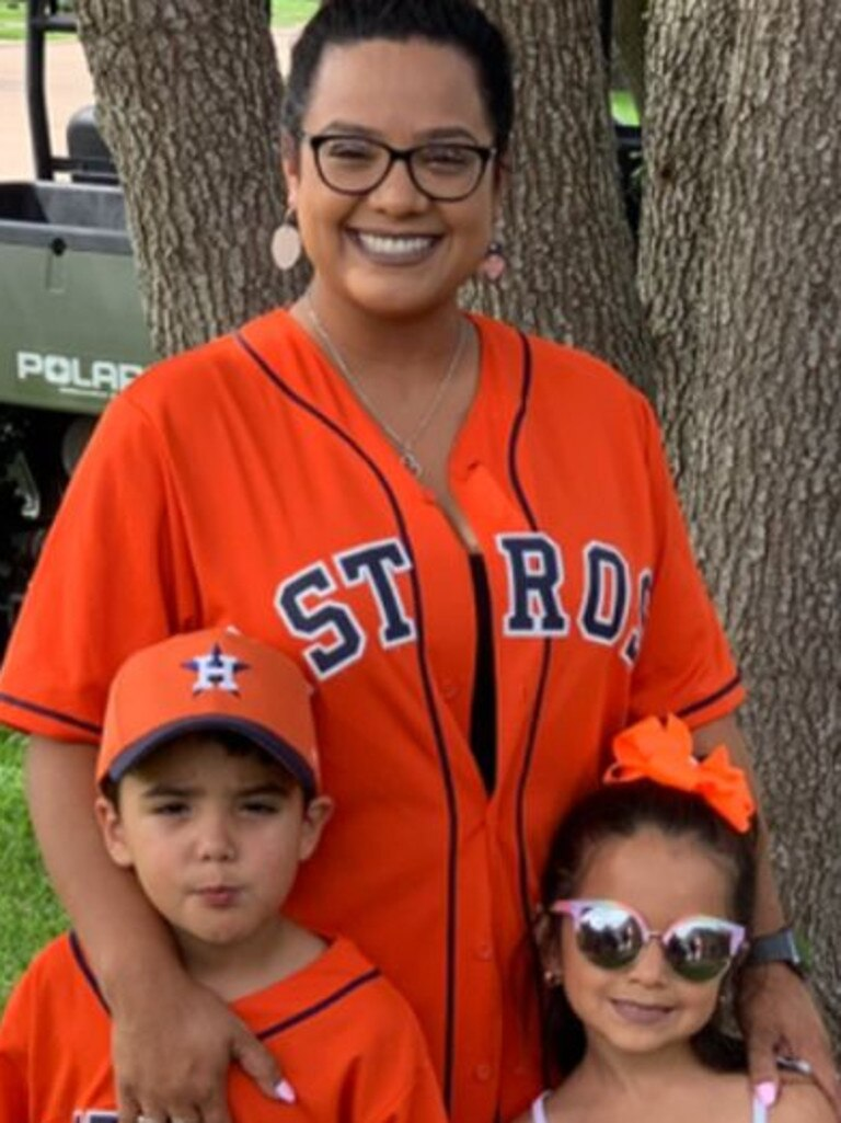 Josiah McIntyre pictured with his mother, Maria Castillo, and sister. Source: ABC16/Facebook. Picture: ABC16/Facebook