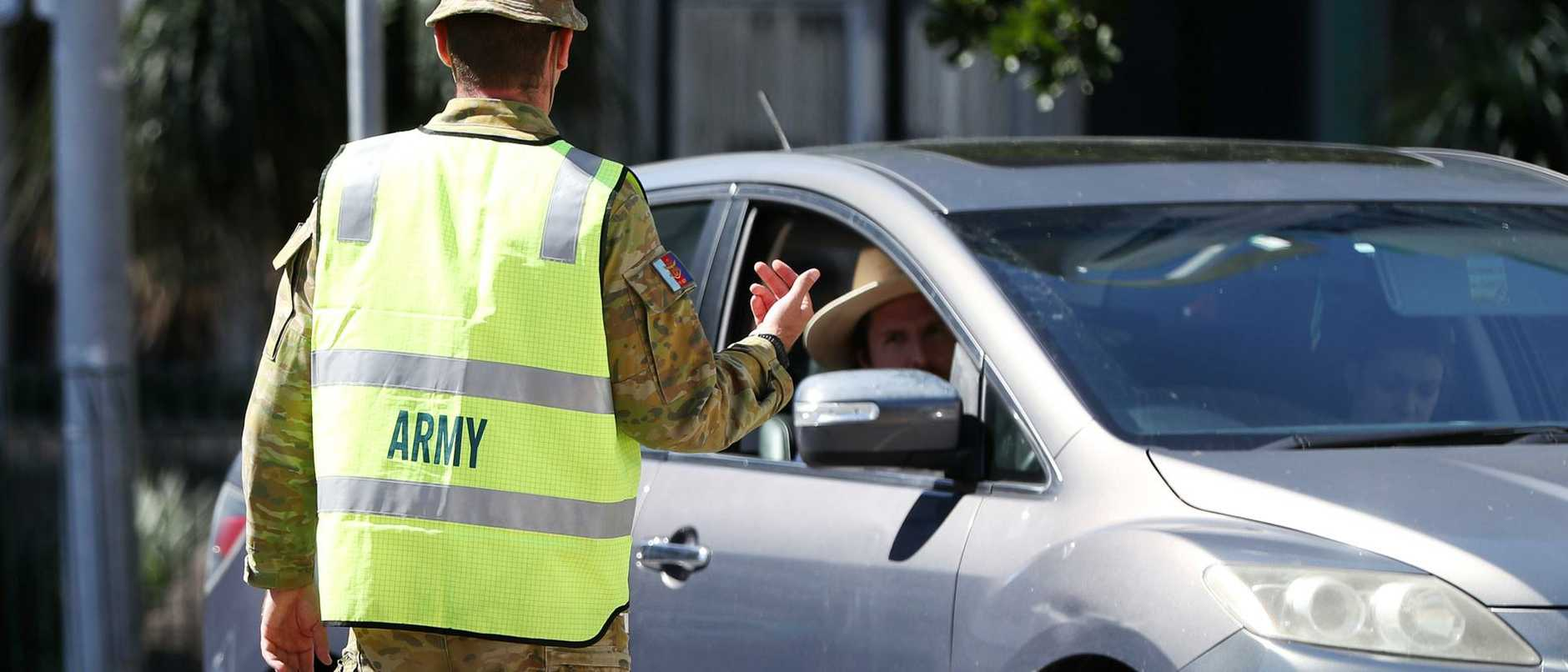Motorists have been warned to expect long delays at the border later this week when the departure of ADF personnel coincides with a partial border opening.