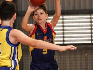 REPLAY: Basketball championships semi-finals teams in action