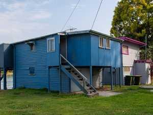 Council admin error delays demolition debate