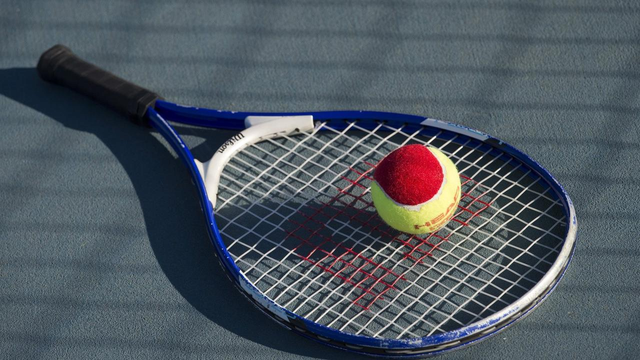 A local business has secured a five-year lease on the tennis courts at the Springfield Central Sports Complex.