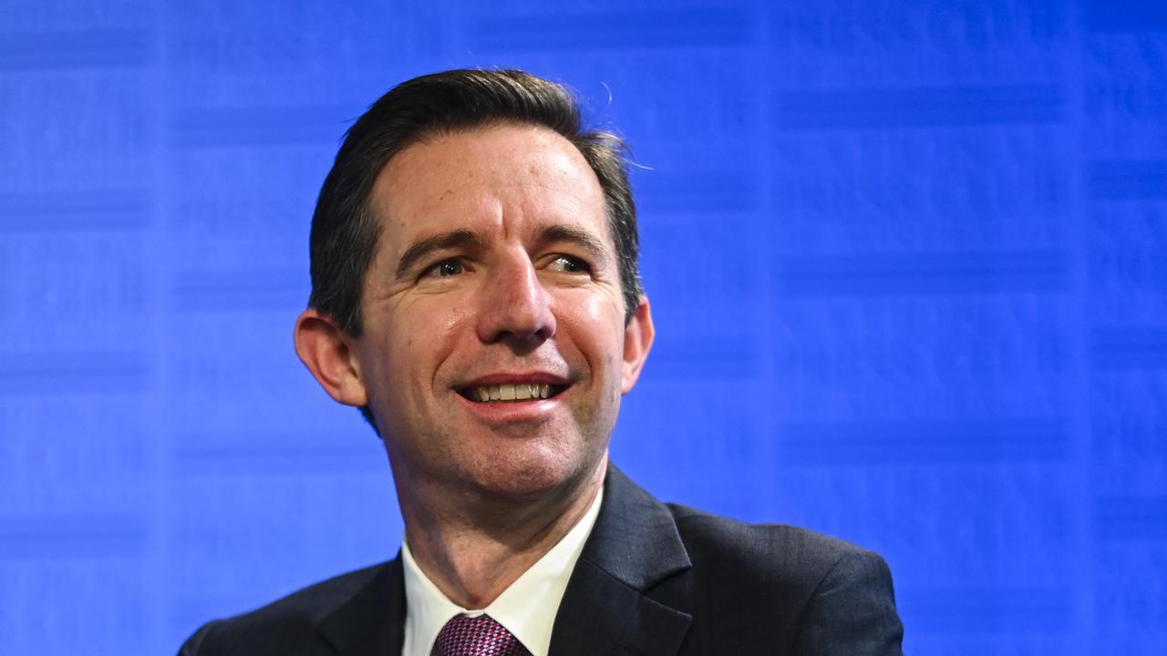 Australian Tourism Minister Simon Birmingham (AAP Image/Lukas Coch)