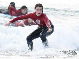 Surf warning as weekend waves intensify
