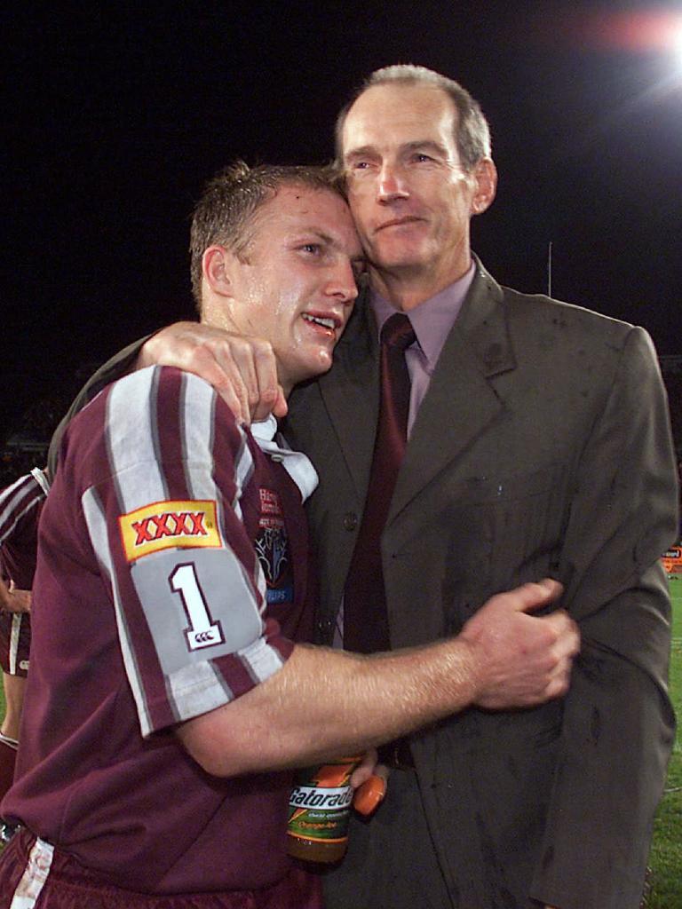 Darren Lockyer and Wayne Bennett after a victory in 2001.