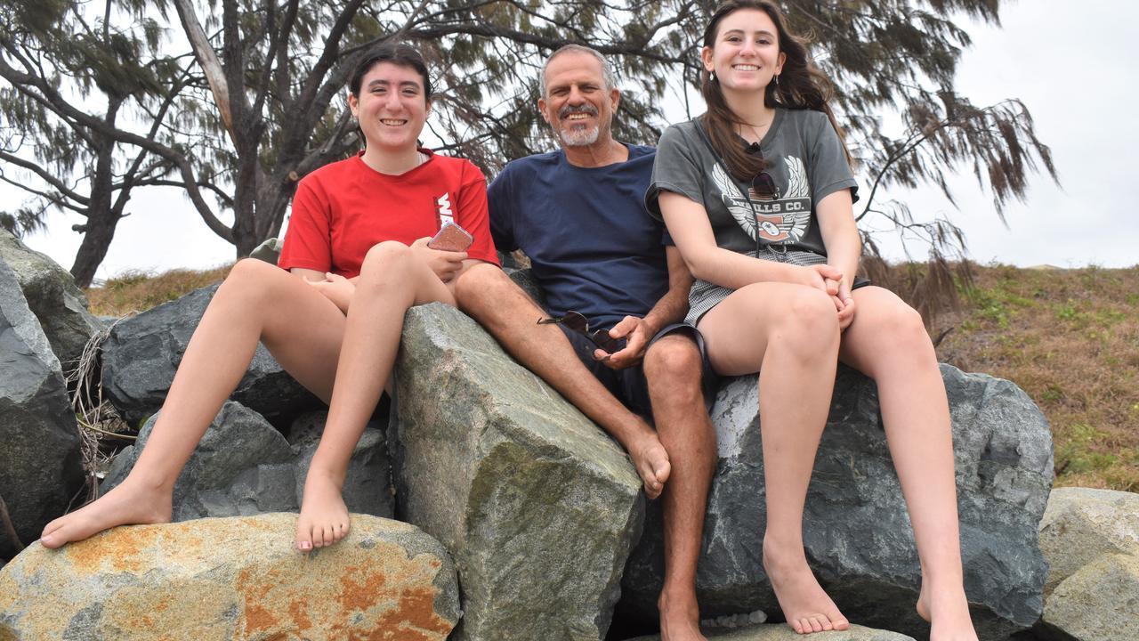 Barak Dekerl with daughters Sinai Dekerl and Mi Dekerl.