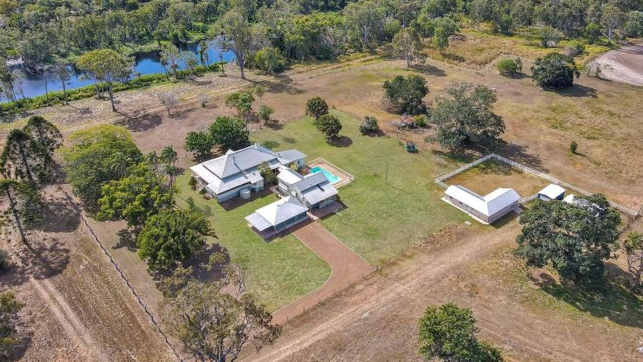PERFECT LOCATION: Situated near Bundaberg North, the property is close to the CBD, local schools and Moore Park Beach, but still offers the lucky buyer privacy and seclusion.