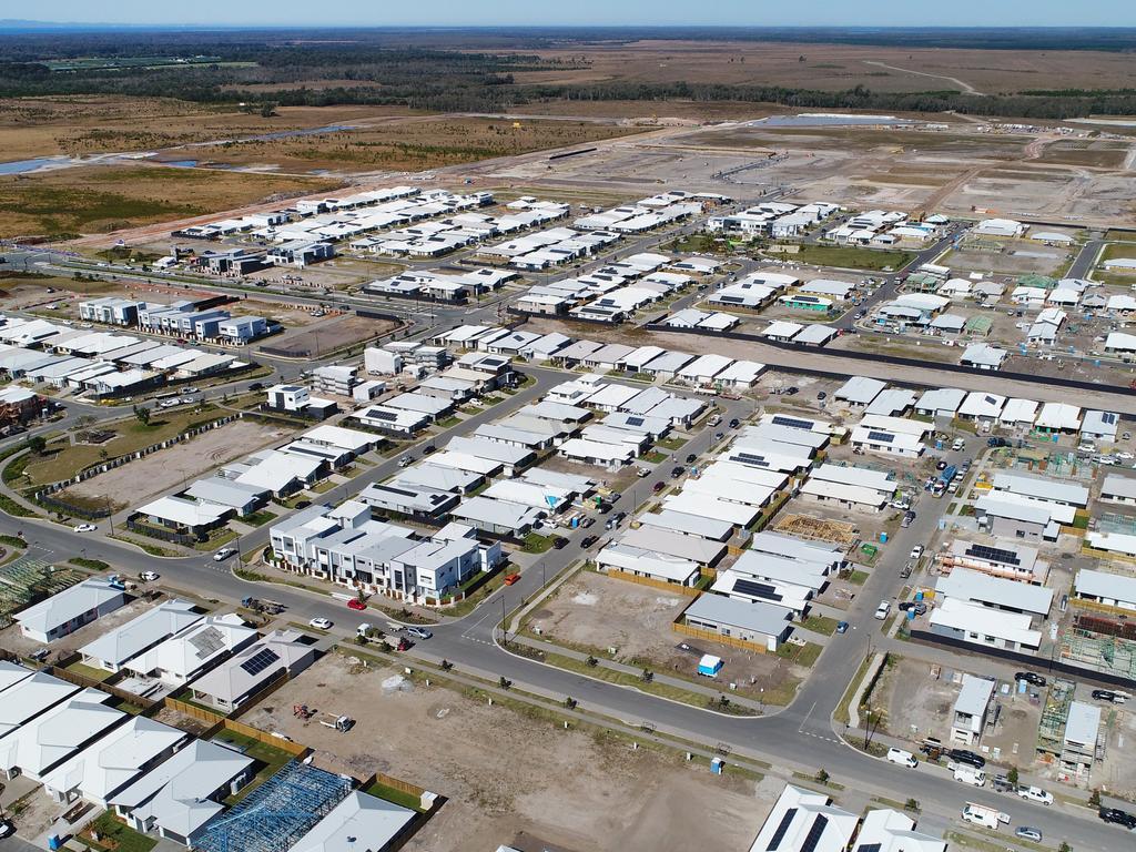 An aerial photo of Stockland's Aura housing estate near Nirimba. Photo Patrick Woods / Sunshine Coast Daily.